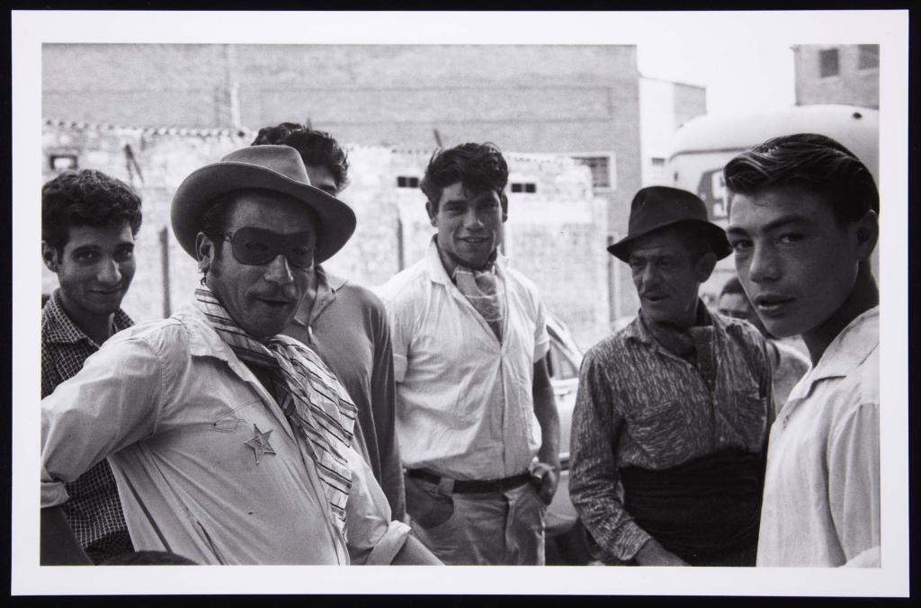 Foto: Gitanos. Barcelona - Isabel Steva Hernández (Colita). 1963.