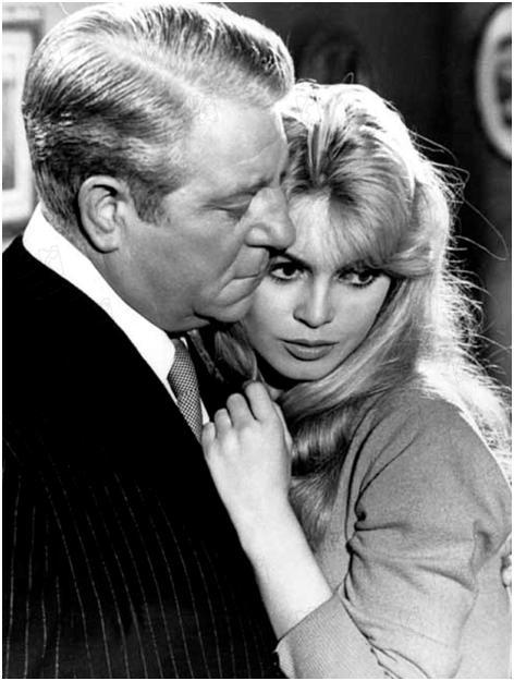 Jean Gabin y Brigitte Bardot, una sospechosa pareja. Tomada de: