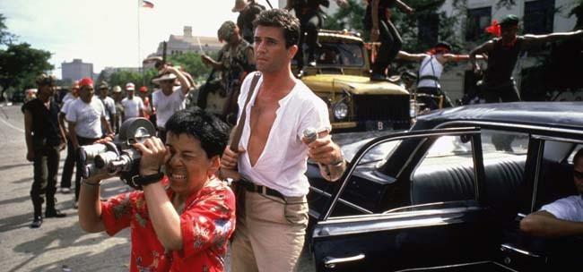 Una visión australiana con Mel Gibson como periodista.