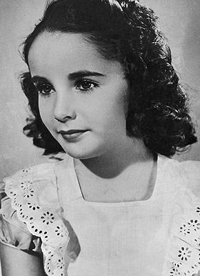 La juventud de Elizabeth Taylor que no se ve. Tomada de: http://cinelocuracr.blogspot.com/2011/06/los-inmortales-1-elizabeth-taylor-1p.html
