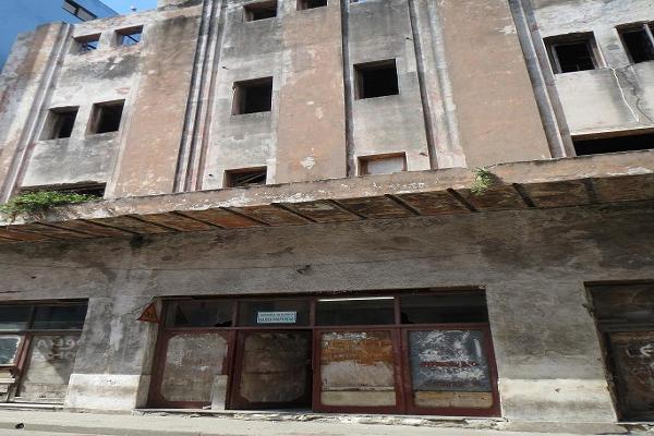 Este fue el cine Verdún. Hoy es una ruina donde ensaya un grupo folclórico. | Foto: