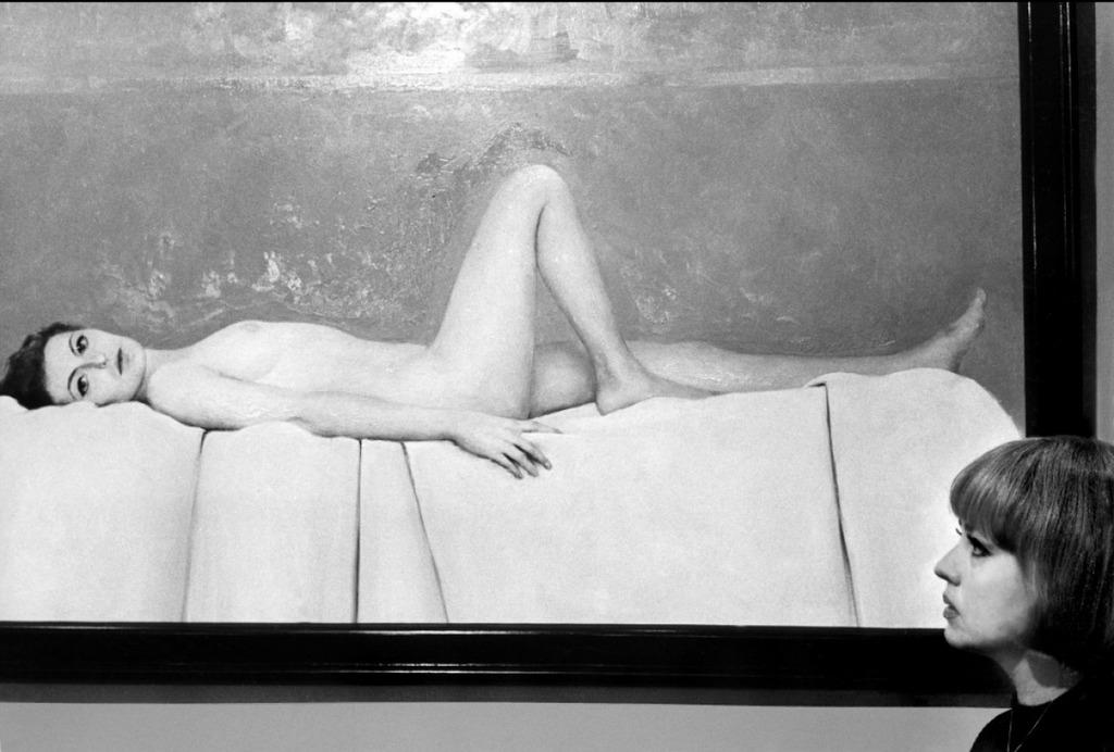 """""""El cine es el arte de la mujer, o sea, de la actriz. El cometido del director consiste en conseguir que las mujeres hagan cosas hermosas. Es mi opinión: los grandes momentos del cine se dan cuando hay coincidencia entre las dotes de un director y las de una actriz dirigida por él"""". Foto tomada de: http://es.unifrance.org/pelicula/287/la-novia-vestia-de-negro"""