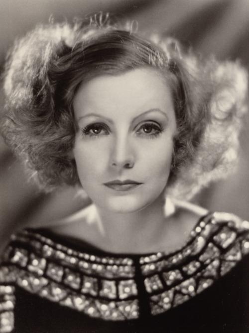 "Greta Garbo: ""Por ti no pasa nunca el tiempo"". | Foto: www.gossipsquare.com"