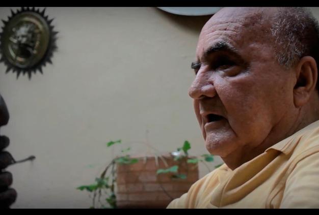 """Héctor Escobar Gutiérrez, poeta mundialmente conocido como """"El Papa Negro. (Foto: latarde.com)."""
