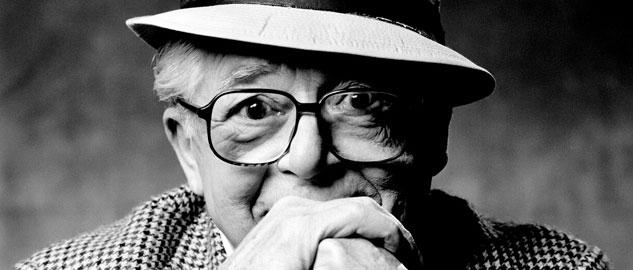 Billy Wilder nació en Sucha (Austria-Hungría), el 22 de Julio de 1906 e inicio su carrera en Hollywood como guionista; los primeros tiempos fueron difíciles pero excitantes.