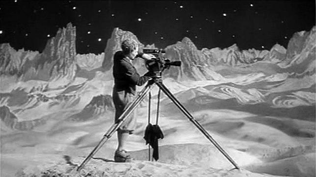 La mujer en la luna es la última película muda que realizó Fritz Lang y también la película de ciencia-ficción más verosímil que se había planteado hasta la época.