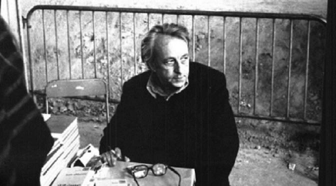"""Althusser, absuelto del crimen debido a que el juez consideró que había actuado en un estado probado de """"confusión mental"""" y """"delirio onírico"""", murió en un asilo en 1990. Tenía 72 años y dejó muchos papeles sin publicar. Entre ellos, las cartas que desde 1947 hasta 1980 envió a Hélène, a la que conoció a los 30 años, cuando aún no había besado a ninguna mujer, en una estación de metro parisiense."""