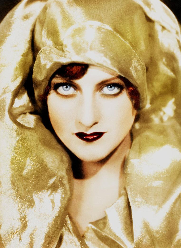 Joan Crawford se acostó con todas las estrellas masculinas de la Metro, excepto con Lassie. Bette Davis.