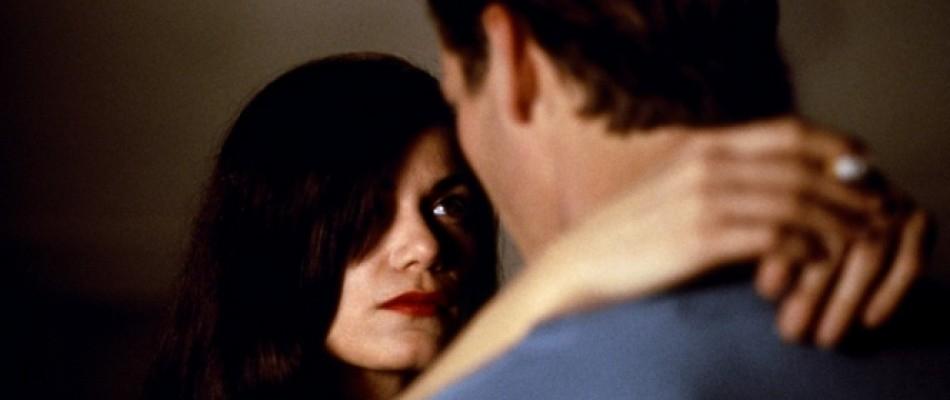 La última seducción se basa en las dos premisas que marcan los personajes del cine negro: lo perversas que pueden llegar a ser las personas…y lo buenas que pueden llegar a parecer. Bridget es una mujer fría y calculadora.