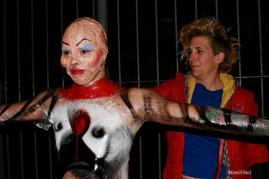 Paola Griselda Baruque, artista argentina conocida como Hijademuta