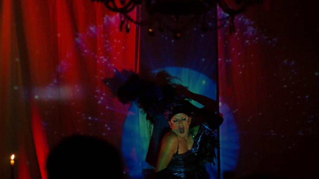 Amanda Miguel no es una diosa cualquiera. La Cortina Roja. Foto: Andrés Felipe Rivera.