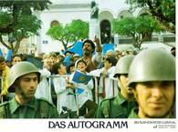 Todas mis películas sobre América Latina están relacionadas con Uruguay, ya sea directa o indirectamente. En particular la película El autógrafo. Aunque la rodamos en Portugal, recuerda en todos sus detalles a una pequeña ciudad uruguaya, y sobre todo, por supuesto, al terror político bajo la dictadura.